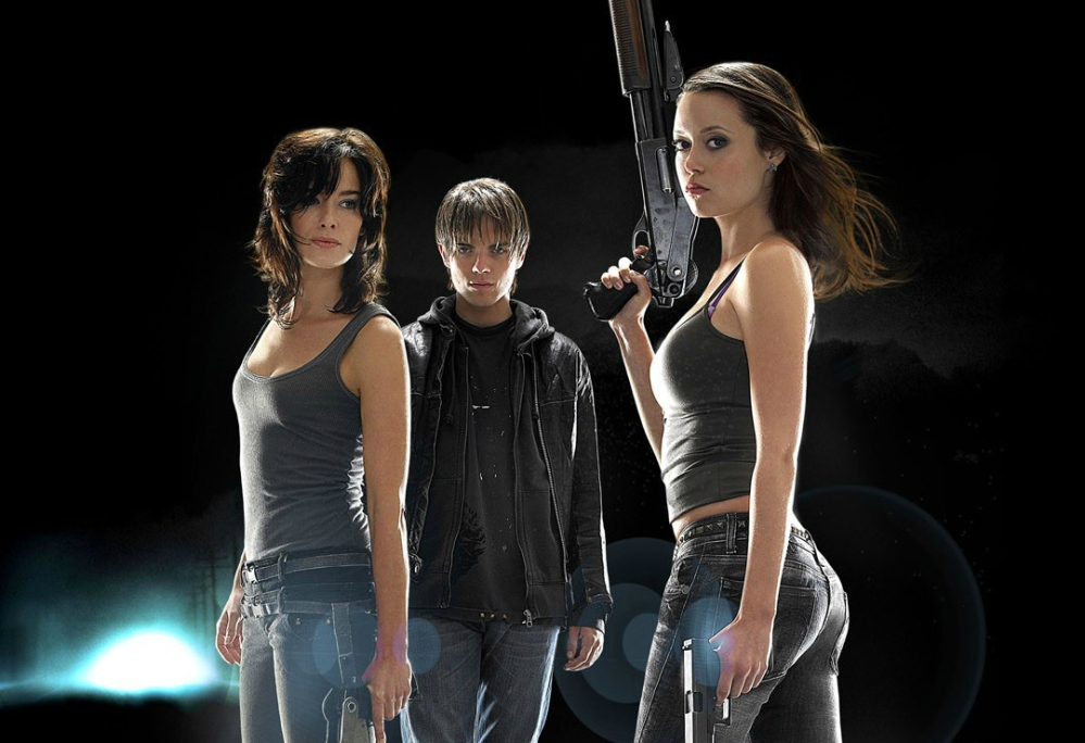 TERMINATOR: THE SARAH CONNOR CHRONICLES: Sarah Connor (Lena Headey, R) and her son John (Thomas Dekker, C) find themselves in a dangerous and complicated new world with only Cameron (Summer Glau, L) as a possible ally in the new drama TERMINATOR: THE SARAH CONNOR CHRONICLES premiering Sunday, Jan 13 (8:00-9:00 PM ET/PT) and Monday, Jan. 14 (9:00-10:00 PM ET/PT) on FOX. ©2007 Fox Broadcasting Co. Cr: Jill Greenberg/FOX